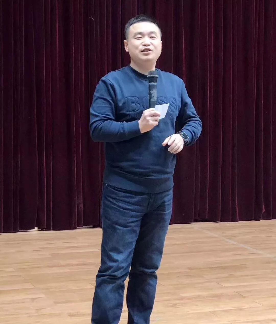 与信仰对话:主见科技陶利走进河南高校分享营销创业事