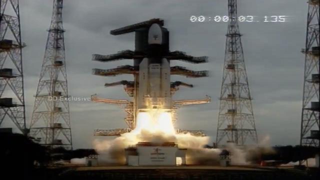 印度发射月船2号 印度登陆月球的梦想或将实现