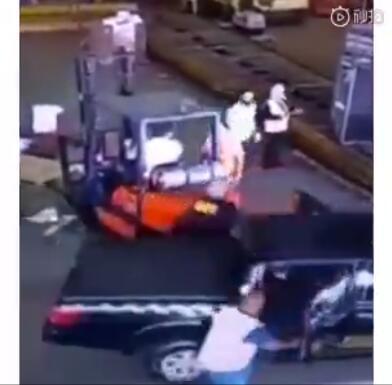 巴西劫匪假扮警察 从圣保罗机场带走750公斤黄金