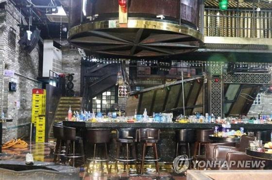 韩国光州酒吧坍塌 正在庆功跳舞的运动员掉到了其他人的脑袋上