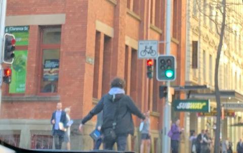 悉尼持刀伤人案 至少有一名伤者是华人