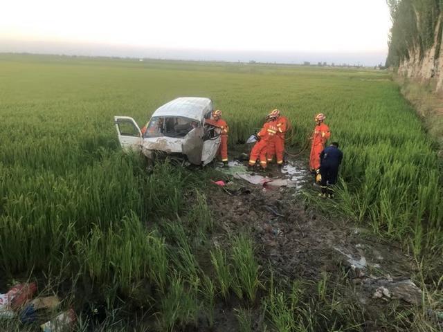 宁夏两私家车相撞 两车均超载事故造成6死14伤