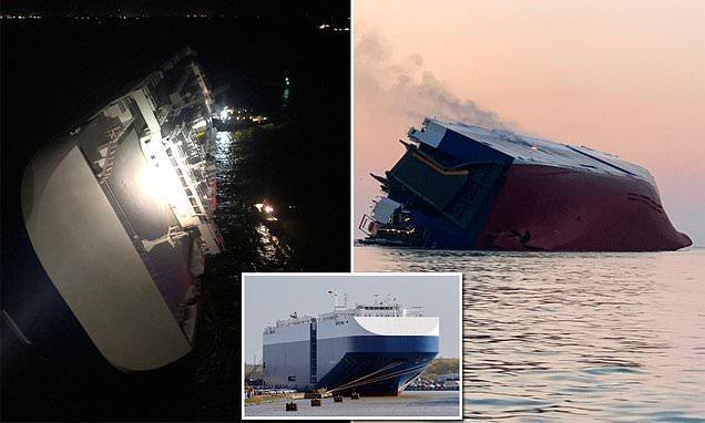韩国货轮倾覆起火 4000多辆汽车泡水4名韩国人下落不明